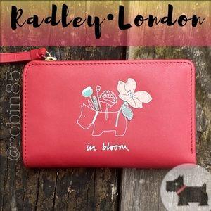 Radley London • In Bloom Scottie Wallet 🍁